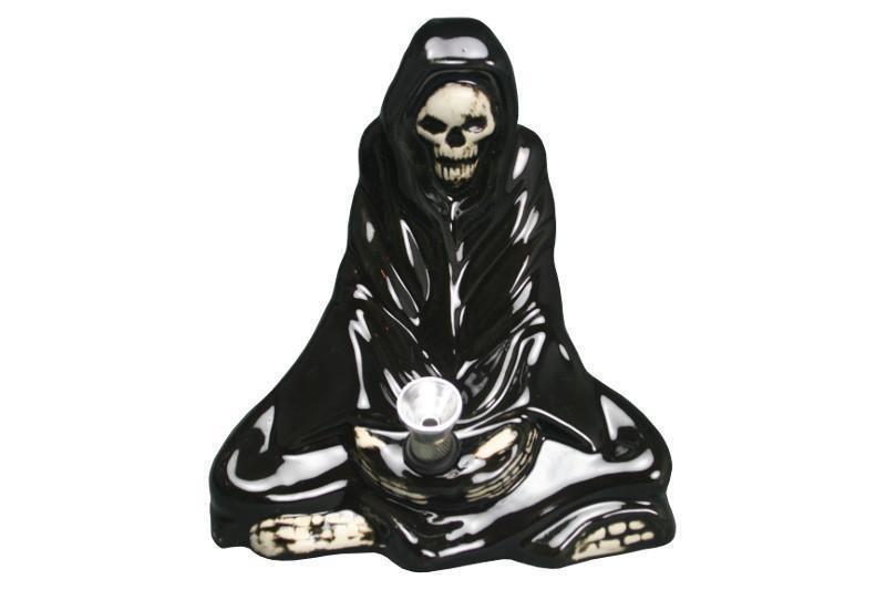 Schwarze Keramikbong als Tod mit Alu-Chillum & Kickloch (Cobra). H:14cm
