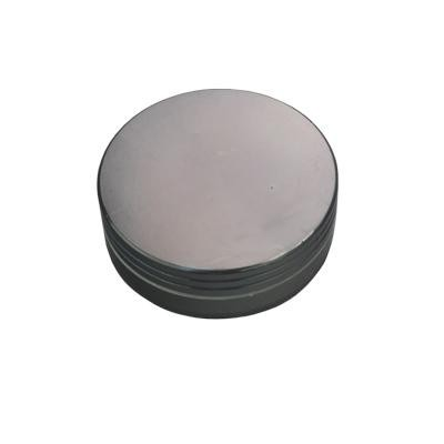 Metallgrinder in schwarz, 2-teilig, Gleitring und mit Magnet. Ø:63mm